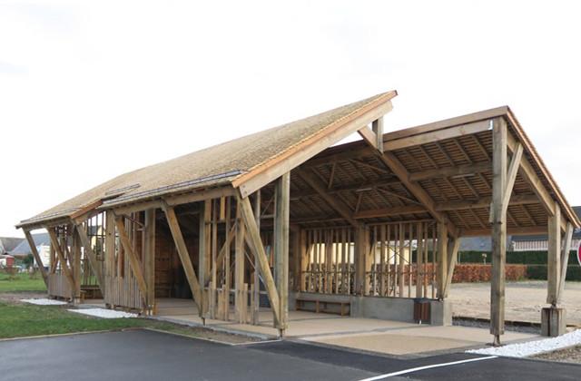 La halle de randonneur 100% bois local de Vatteville-la-Rue est livrée (76)